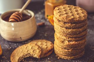 La recette des biscuits au miel et à l'amande