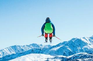 Skieur en vol