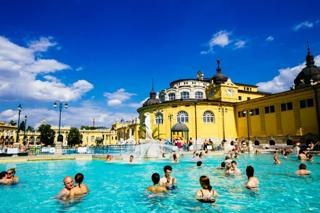 Bains thermaux de Széchenyi à Budapest
